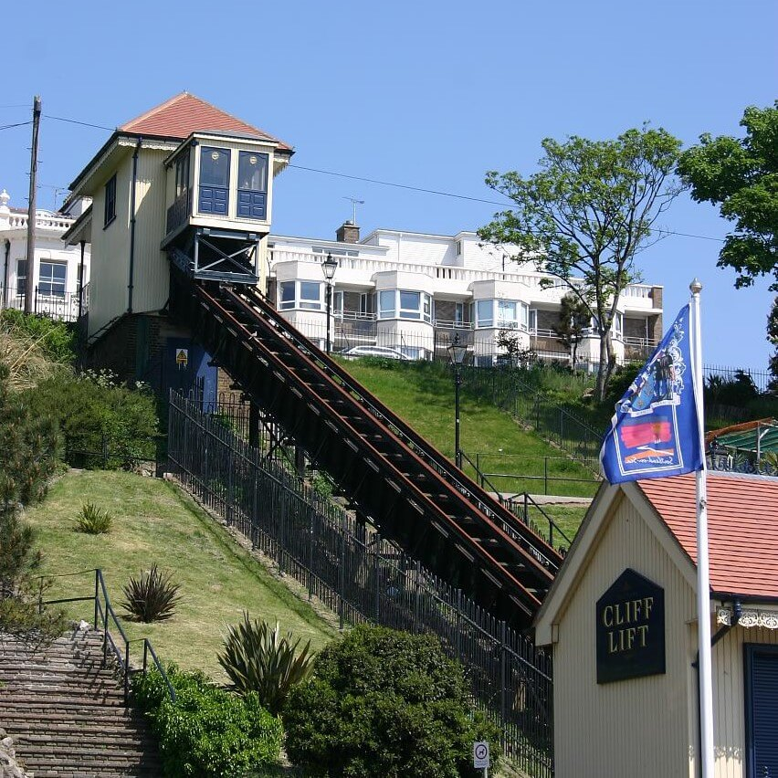 Southend_Cliff_Railway_in_2008